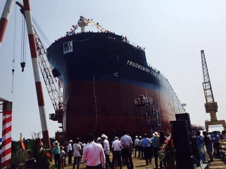 SBIC ha thuy thanh cong tau hang 56.200 DWT - Anh 1