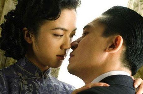 Han Quoc phat hanh lai 'Sac, Gioi' ban khong cat sau 9 nam - Anh 1