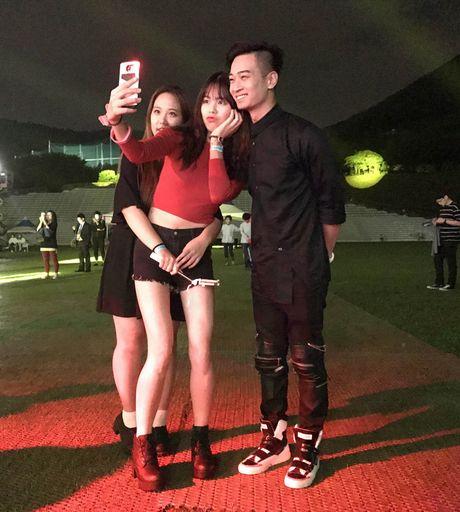 SlimV doi non la, gay an tuong tai 'Asia Song Festival' - Anh 11