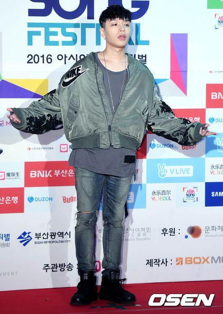 Noo Phuoc Thinh cuc 'ngau' ben dan than tuong dinh dam xu Han tren tham do 'Asia Song Festival 2016' - Anh 24