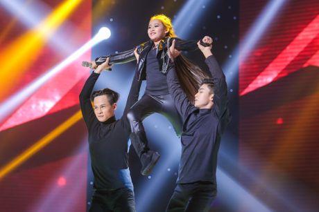 Hot boy The Voice Kids chinh phuc hit Phan Manh Quynh - Anh 9