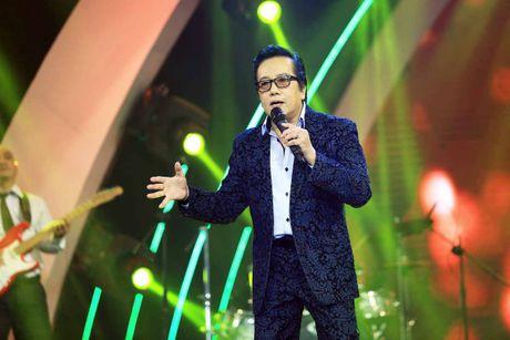 Elvis Phuong phong do tren san khau du 71 tuoi - Anh 5