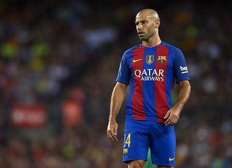 Barcelona len ke hoach chieu mo sao tre cua Chelsea - Anh 3