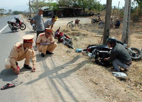 Hai thanh niên bỏ trốn sau khi va chạm gây tai nạn chết người