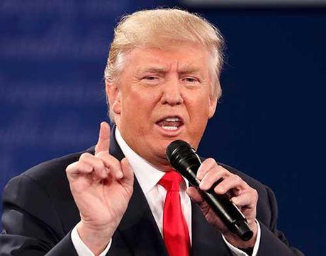 Donald Trump diem nhien doa bo tu ba Clinton - Anh 1