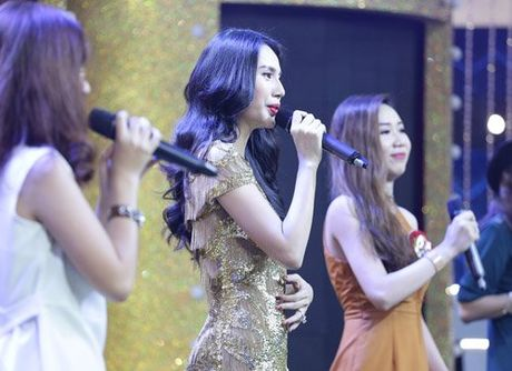 Ca si giau mat: Thuy Tien then thung noi ve Cong Vinh - Anh 4