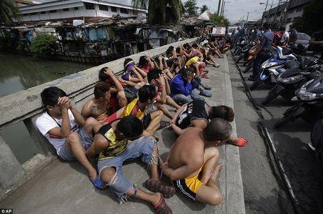 100 ngay cua Tong thong Philippines: 3.700 nguoi chet - Anh 2