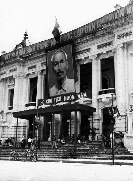 Can canh giay phut chuyen giao quyen luc o HN ngay 10/10/1954 - Anh 15