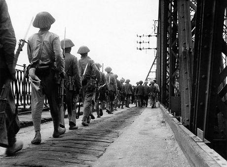 Can canh giay phut chuyen giao quyen luc o HN ngay 10/10/1954 - Anh 4