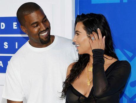 Kanye West thue chuyen gia chong khung bo bao ve Kim Kardashian - Anh 1