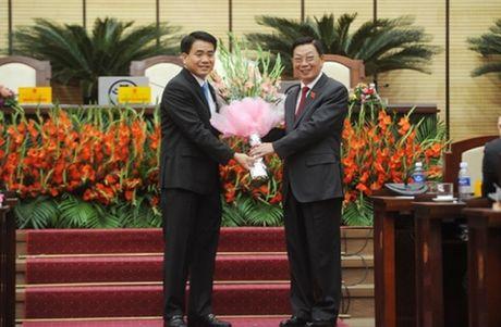 Nguyen Chu tich Ha Noi Nguyen The Thao nhan huan chuong Doc lap - Anh 1