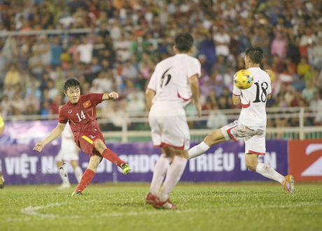 Tien ve Xuan Truong dung truoc 2 nga duong: Tuyen Viet Nam va CLB Incheon United - Anh 1