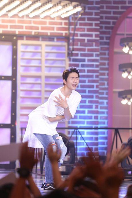 """TV Show: """"Tieu Thu Minh"""" 10 tuoi gay ngac nhien; Co gai 'bi ung thu' khien GK nghen ngao - Anh 11"""