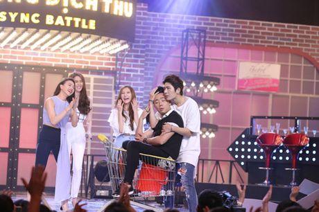 """TV Show: """"Tieu Thu Minh"""" 10 tuoi gay ngac nhien; Co gai 'bi ung thu' khien GK nghen ngao - Anh 12"""