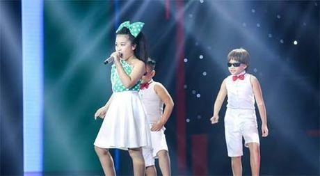 """TV Show: """"Tieu Thu Minh"""" 10 tuoi gay ngac nhien; Co gai 'bi ung thu' khien GK nghen ngao - Anh 2"""