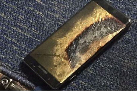 Galaxy Note 7 'an toan' lai boc chay, Samsung dang lam au? - Anh 1