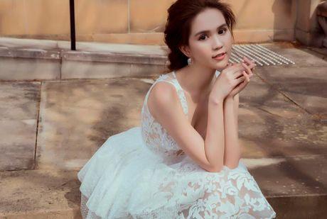 Ngoc Trinh dien dam cong chua don tim fan ham mo - Anh 13