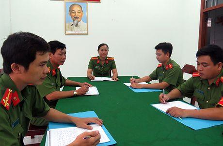 Trung ta Cong an chia se kinh nghiem quan ly dia ban - Anh 1