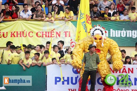 "Giai ""phui"" canh tranh suc nong voi doi tuyen Viet Nam - Anh 5"