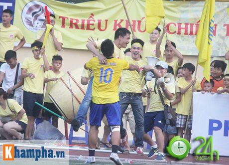"Giai ""phui"" canh tranh suc nong voi doi tuyen Viet Nam - Anh 9"