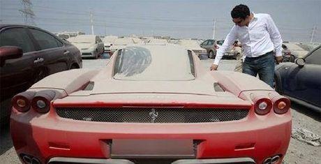 Gan 3.000 xe sang bi vut bo o Dubai moi nam - Anh 1
