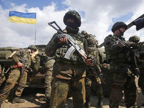 Ukraine lai khong rut quan khoi mien dong nhu du tinh - Anh 1
