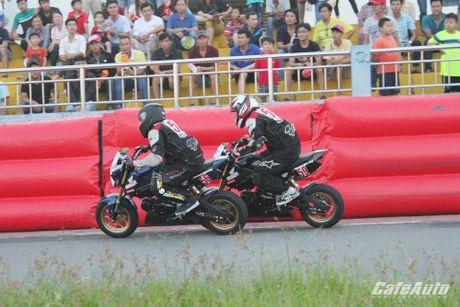 Giai dua xe mo to cup quoc gia vong 11 nam 2016: Kich tinh den phut cuoi cung - Anh 17