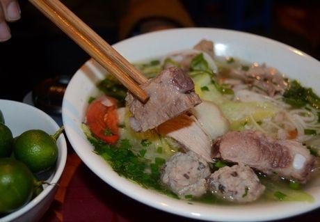 Bun moc suon chua ngon mieng cho sang dau tuan - Anh 1