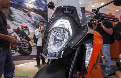 Ra mat sieu mo to KTM 1290 Super Duke GT gia 690 trieu dong - Anh 12