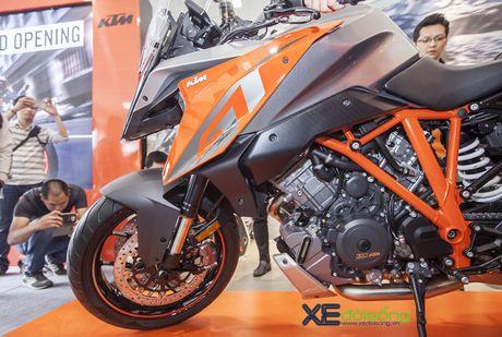 Ra mat sieu mo to KTM 1290 Super Duke GT gia 690 trieu dong - Anh 9