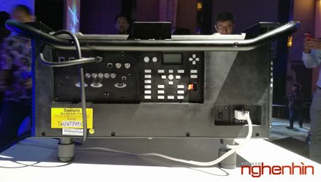 Epson gioi thieu may chieu Laser 3LCD 25.000 Lumen - Anh 4