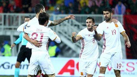 Vong loai World Cup 2018: Tay Ban Nha thang nhe, Italia thang nhoc - Anh 1