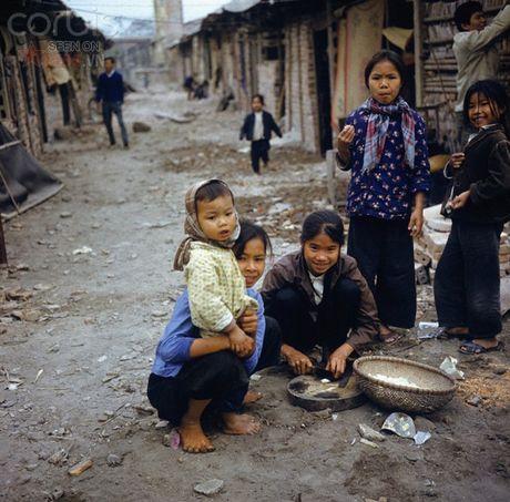 Bac Viet 1973: Nhung nu cuoi loe len tu chet choc - Anh 10