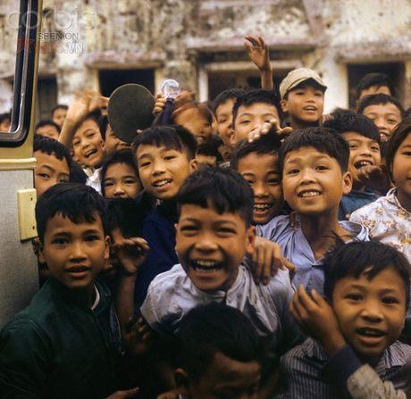 Bac Viet 1973: Nhung nu cuoi loe len tu chet choc - Anh 1