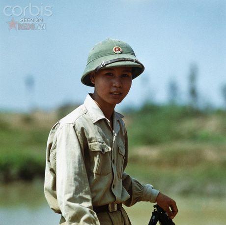 Bac Viet 1973: Nhung nu cuoi loe len tu chet choc - Anh 4