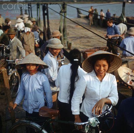 Bac Viet 1973: Nhung nu cuoi loe len tu chet choc - Anh 8