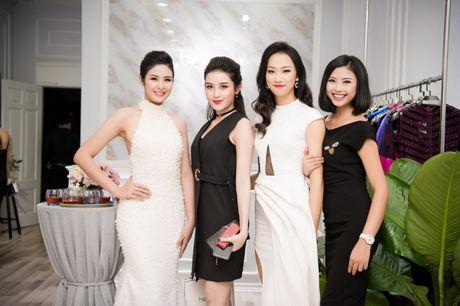 Hong Que sat ngay sinh no van di event - Anh 10