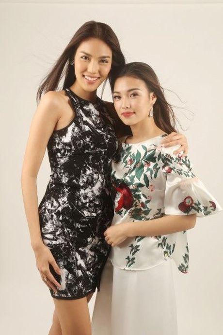 HLV Lan Khue tan tam chi dan cho top 3 - miss NSTT 360mobi trong buoi chup anh - Anh 5