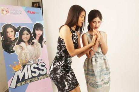 HLV Lan Khue tan tam chi dan cho top 3 - miss NSTT 360mobi trong buoi chup anh - Anh 6
