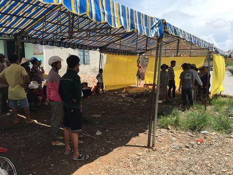 Binh Thuan: Mot ngu dan thiet mang khi bat ngo roi xuong song Ca Ty - Anh 1