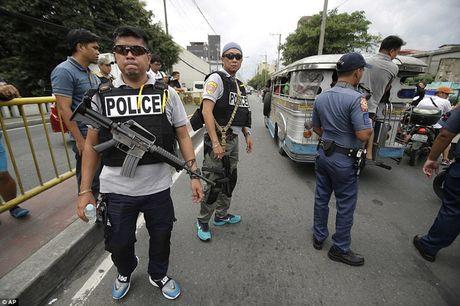 Chum anh: Hon 3.700 nguoi da chet trong cuoc chien chong toi pham ma tuy o Philippines - Anh 1