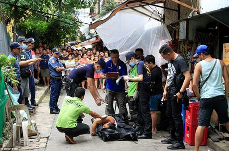 Chum anh: Hon 3.700 nguoi da chet trong cuoc chien chong toi pham ma tuy o Philippines - Anh 3