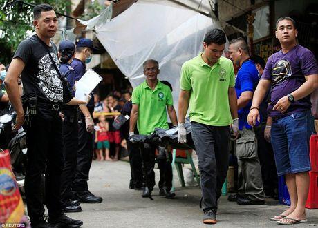 Chum anh: Hon 3.700 nguoi da chet trong cuoc chien chong toi pham ma tuy o Philippines - Anh 4