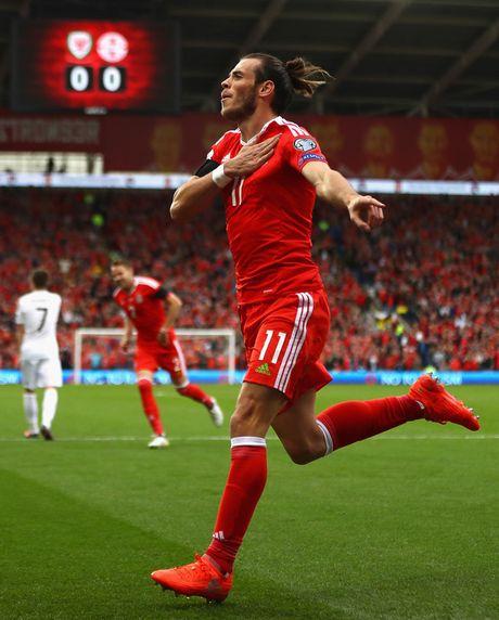Thao chun buoc, Gareth Bale de lo mai toc dai mem mai nhu... thieu nu - Anh 7