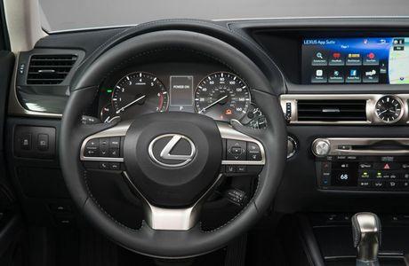 Can canh sieu xe 3,13 ty dong cua Lexus tai Vietnam Motor Show 2016 - Anh 22