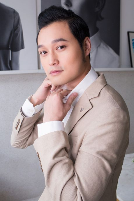 Tuan Hung bi vo gian bo ve nha ngoai; Quang Vinh noi ve tin don gioi tinh - Anh 4