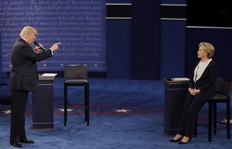 Donald Trump dong dai, Hillary Clinton cuon hut - Anh 2