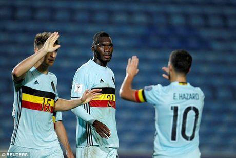 Lap hat-trick giup Bi dai thang, Christian Benteke di vao lich su World Cup - Anh 3