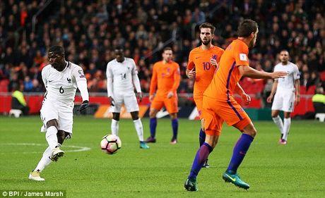 Paul Pogba nhan nhu Jose Mourinho va dap tra chi trich - Anh 1