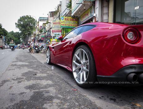 Ban do Ferrari F12 Berlinetta doc nhat Viet Nam rao ban gan 17 ty Dong - Anh 12